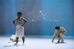 Foto di una scena dello spettacolo BLUME